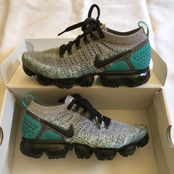 quality design 817a4 df8f4 MEN'S NIKE AIR VAPORMAX FLYKNIT 2 Size 8